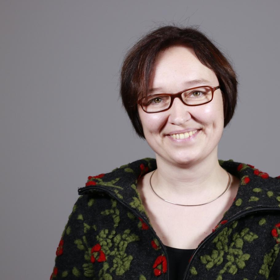 Cornelia Lau, Sozialarbeiterin