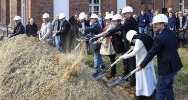 1. Spatenstich für das Caritas-Hospiz Reinickendorf
